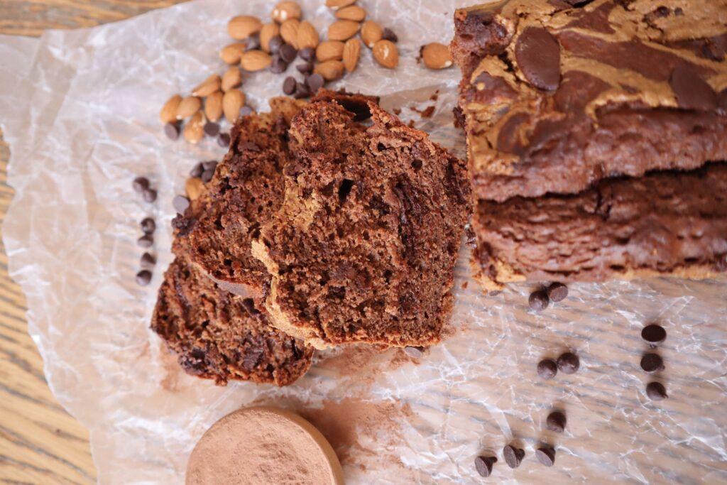 pan de chocolate con crema de almendras
